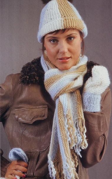 Шапочка, шарф и варежки, связанные жгутом
