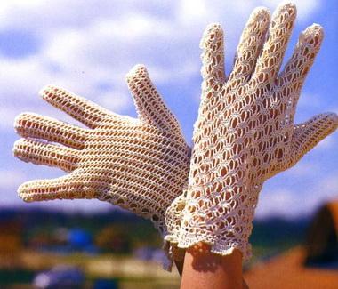 Перчатки, связанные крючком