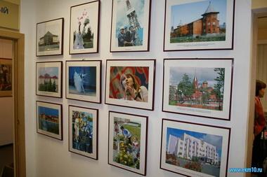 Губкинская художница устраивает выставку своих творений