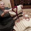 Жилетки для детей-сирот вяжет пенсионерка